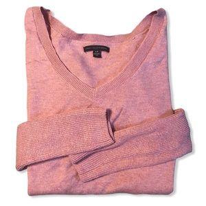 AEO Soft Pink Lightweight V-Neck High-Low Lightweight Fall Spring Sweater
